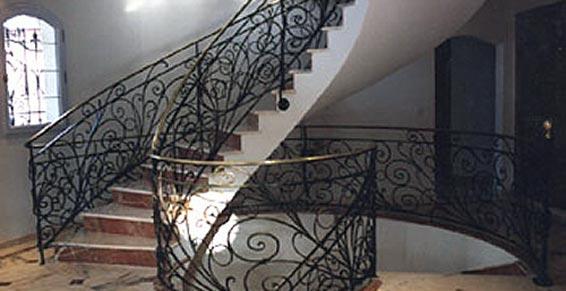 objets de d coration en fer forg grasse 06. Black Bedroom Furniture Sets. Home Design Ideas